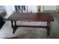 Coffee table with nest tables