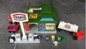 1975-77 Sears Exclusive Playskool Texaco