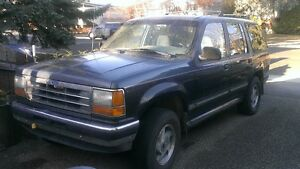 1994 Ford Explorer XLT SUV, Crossover
