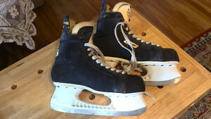 Size 9.5 Bauer Skates