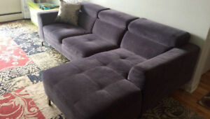 MOVING SALE! Modern Sectional Couch/Sofa Sectionnel Modern