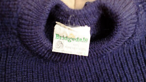 Men 100% English wool sweater Size M North Shore Greater Vancouver Area image 3