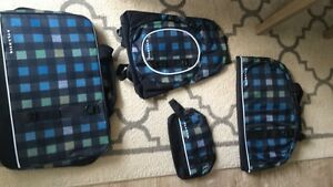 4 piece travel set (in box)