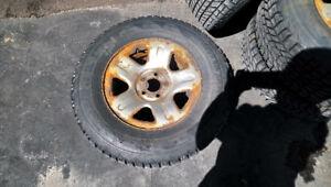 Winter tire 235 70 R16 5x114.3
