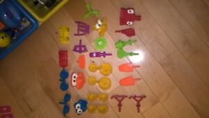 Playdoh over 100 pieces