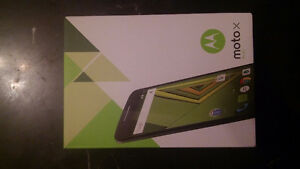 A vendre cell moto x play