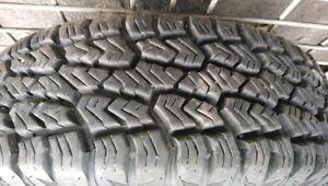 4 pneus LT 225/75R16