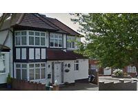 2 bedroom flat in Faber Gardens, Hendon, NW4