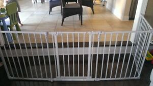 """Bily"" safety baby gate, Barriere de securite bebe"