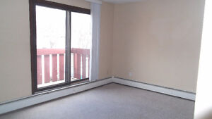 2 Bdrm Apartment In Cathedral Available - 7th Month RENT FREE Regina Regina Area image 5