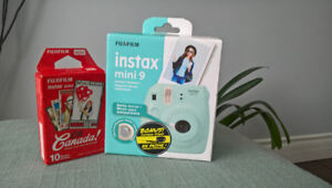 FUJIFILM INSTAX MINI 9 CAMERA Brand New
