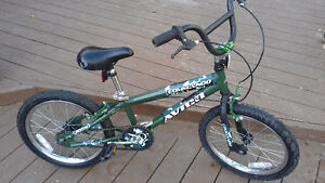 18 inch Boys BMX-Style Avigo Commando Bike