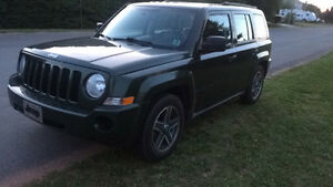 2009 Jeep Patriot Green SUV AWD