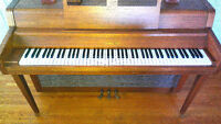 Yamaha apartment size piano  Made in Japan