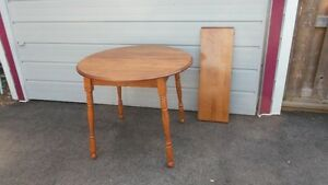 Antique Solid Wood Round Roxton Maple Dining Kitchen Table Leaf