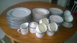 Upscale Dinnerware set, near mint condition