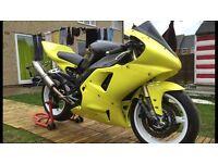 Yamaha r1 track bike