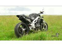 Triumph 955i