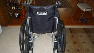 chaise roulant flambant neuve na jamis seri payer plus de 700.00