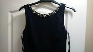 """Vince Camuto Long Sleeveless Blue Gown, Size 2(26.5"""" waist)"""