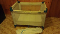 Graco playpen - collapsible with tote bag
