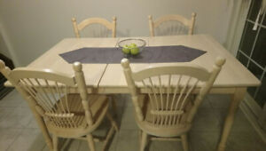 MOVING SALE Kitchen Table