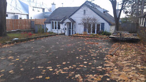 4+1 BDRM South of Wonderland Rd North and Oxford, $1350+UTILITE