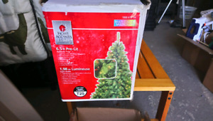 6ft Christmas tree with white lights