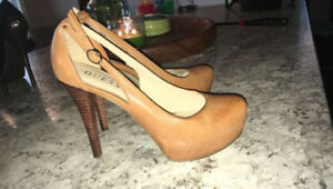 Guess Shoes Size 6.5