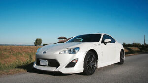 5-Axis Edition 2013 Scion FR-S White Out