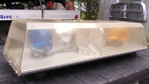 Truck beacon / rotator with Spot lights London Ontario image 2