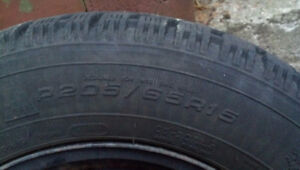Winter Tires great condition - P205/65R15