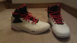 Under Armour Rocket Macro G Basketball Shoes
