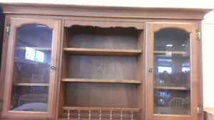 Beautiful solid oak Hutch - No scracthes Kingston Kingston Area image 1