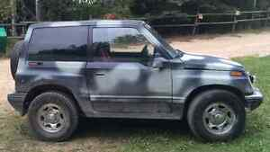 1990 Geo Tracker Tin top SUV, Crossover