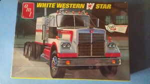 AMT 1:25 White Western Star truck model