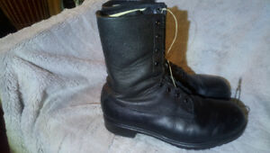 Canadian army combat boots
