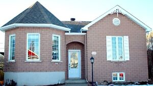 Grand bungalow 34 x 34, 573 Rue Adam, Saint-Dominique, QC