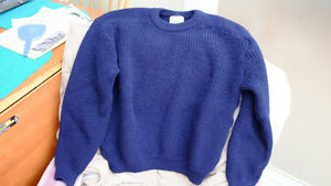 Men 100% English wool sweater Size M