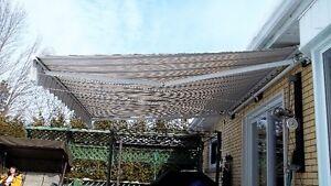 Auvent de terrasse, rétractable, 12 pi Large   x  10 pi Profond.
