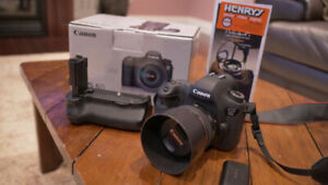 Mint condition Canon 6D with 50mm 1.4 lens for sale.