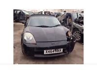 TOYOTA MR2 ROADSTER MK3 1.8 VVTI. Black BREAKING FOR PARTS SPARES ONLY.