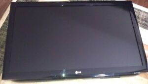 "LG LCD TV  42""    WITH   SONY  DVD PLAYER  42LD450"