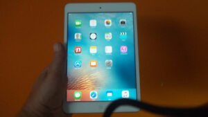 2 fantastic condition ipad mini 16gb $220.00 ea.