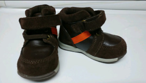 Boots / Shoes for Baby - size 4