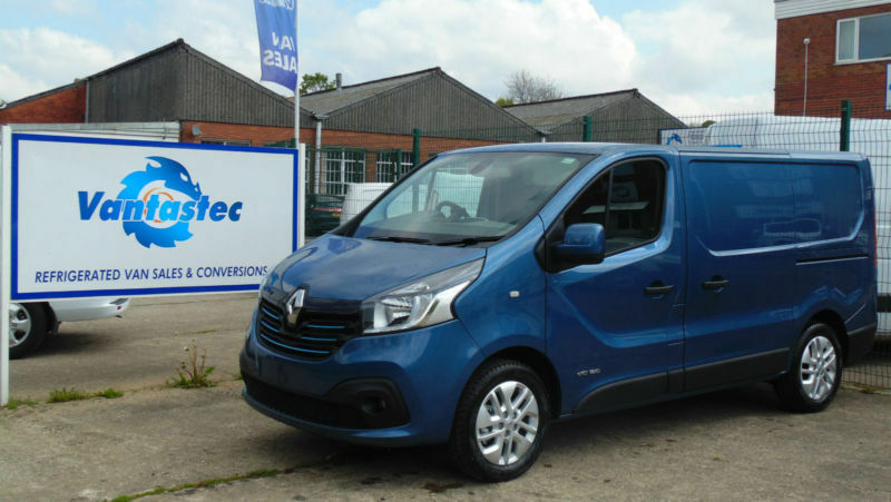 Renault Trafic Van 16dCi SL27 125 Sport With Rear Camera