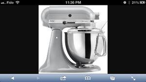 Brand new 100% kitchenaid artisan mixer silver