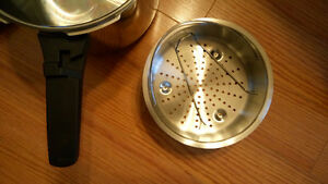 new stainless steel pressure cooker Kitchener / Waterloo Kitchener Area image 6