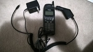 Nokia 918 Vintage working cellphone complete with accessories