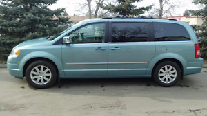 2010 Chrysler Town and Country (Top of the Line Dodge Caravan)